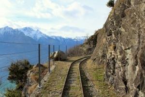 """Il sentiero del Tracciolino: """"Consorzio Turistico Valchiavenna"""""""
